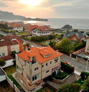 la casa del surfcamp desde el aire